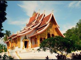 Wat Haw Pha Bang