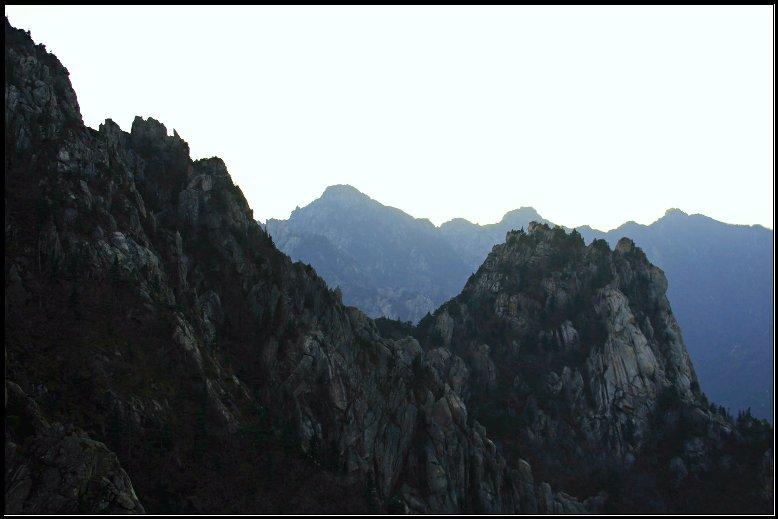 Bebatuan  terlihat dari Gwongeumseong, Seoraksan NP