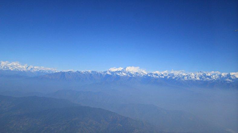 Pegunungan Himalaya Bertudung Salju