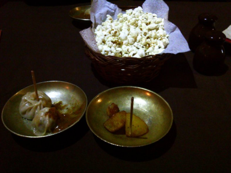 The starter - Momo, Aloo and Pop-corn