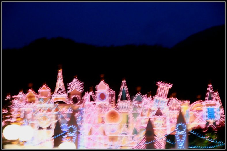 A Blurred Castle, Hong Kong Disneyland