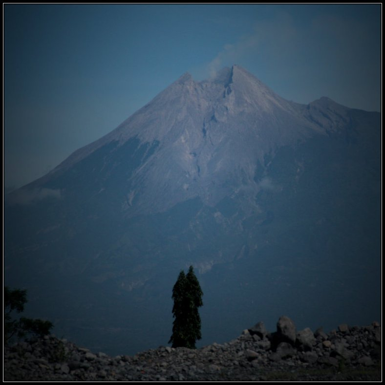 The current peak of Mt. Merapi