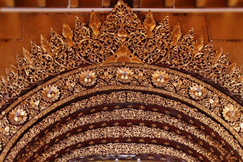 Gate in Mahamuni - Mandalay
