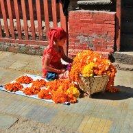 Penjual Bunga di depan Kasthamandapa