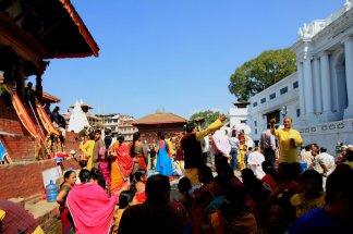 Persiapan Perayaan di Trailokya Mohan Narayan Temple