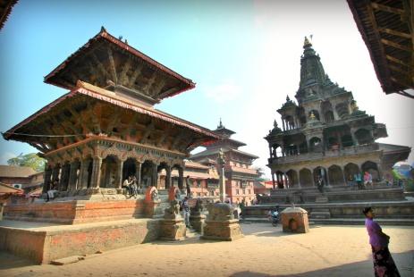 Vishwanath Temple (left) and Krishna Mandir (right)