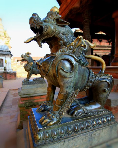 Lions as the guardians of Chyasilin Mandap