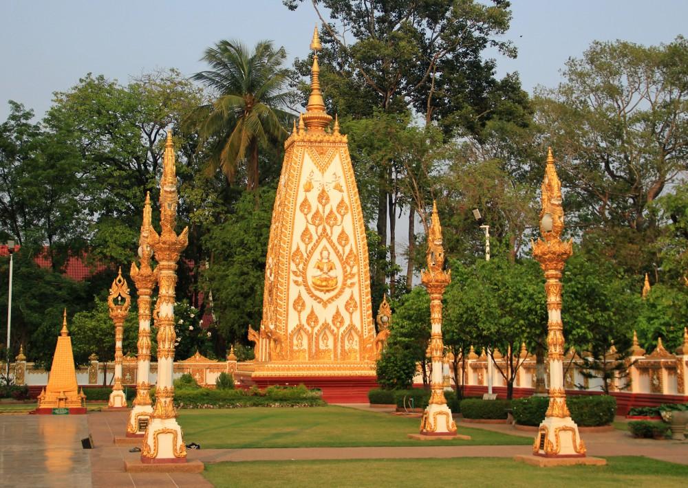 Nice inner yard of Wat Phra That Nong Bua, Ubon