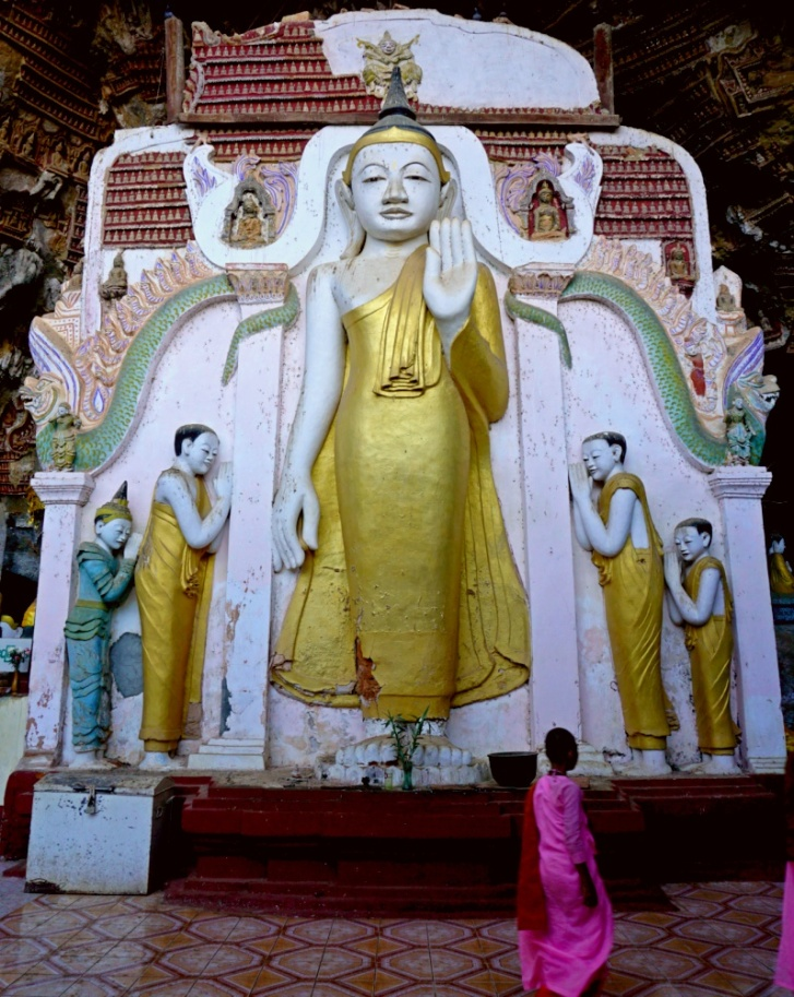 Compare The Buddha Images with the adult nun